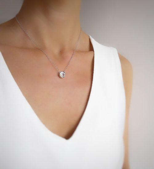 collier pendentif zirconium